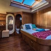 Charming-cabin-cruise thumbnail