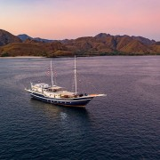 Komodo-Cruise-Sunset-Dive-Concepts thumbnail