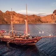 Komodo-Diving-Cruise thumbnail