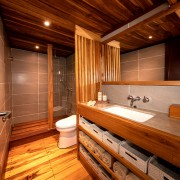 Luxury-Bathroom-Liveaboard thumbnail