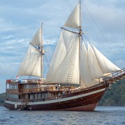 Luxury-cruise-Alor thumbnail