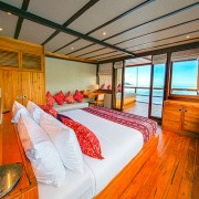 Master-Cabin-in-Komodo-with-Dive-Concepts thumbnail