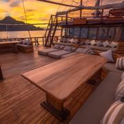 Upper-deck-area-luxury-liveaboard thumbnail