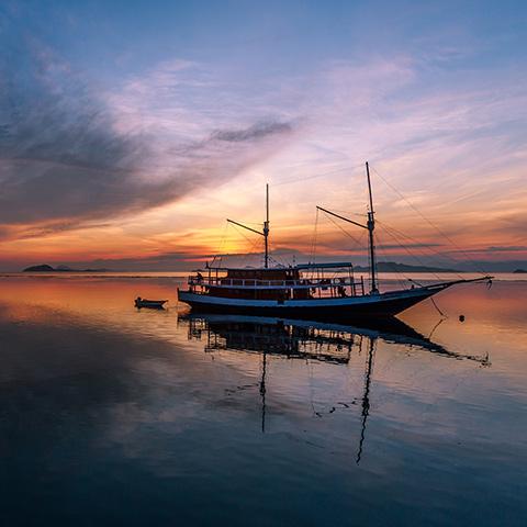 Komodo Cruise Kalong Island